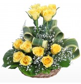 12 Yellow Roses in Small Basket