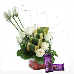 12 White Roses in Small Vase With Chocolates