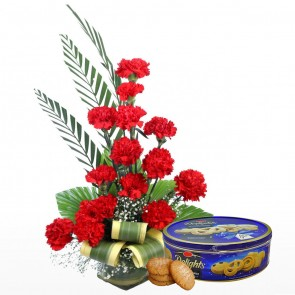 16 Red Carnations in Medium Vase With Chocolates