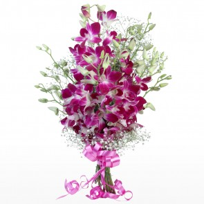 Hand Bunch of 12 pink orchids