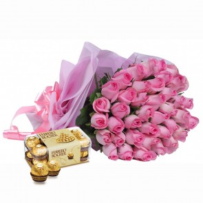 Bouquet of 40 Pink Roses With Chocolates