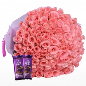 Bouquet of 100 Pink Roses With Chocolates