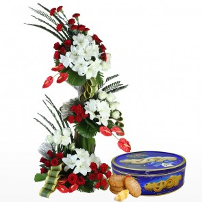 Life Size Exclusive Flowers Arrangement With Chocolates