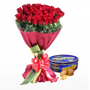 Bouquet Of 40 Red Roses With Chocolates